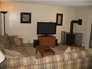 2 Bedroom Condo In The Heart Of Smugglers Notch Resort