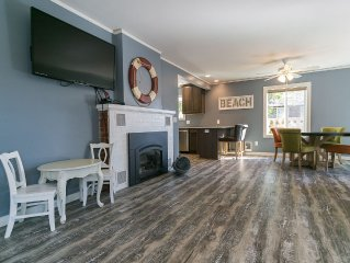 Remodeled Seaside Escape  - 2 Blocks To Beach