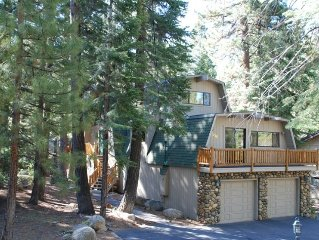 Remodeled, Spacious 4100+ sq. ft. Sleeps 14, Close to Beach/Town-Wi-fi, Hot Tub