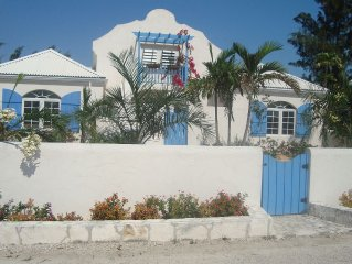 Villa with Private Pool - 5 min walk to Grace Bay Beach!