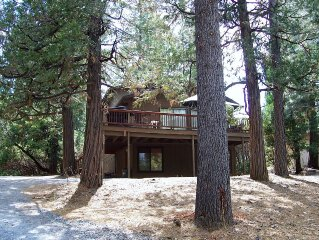 Yosemite Cabin with Huge Game  Room  and Spacious Deck