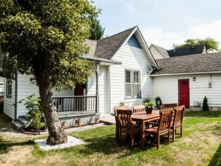 Just off 6th Ave!  Beautifully Renovated Home! Close to UPS. Great for concerts.