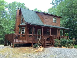 Great Specials-Lovely Nature Cabin on 3 Acres!