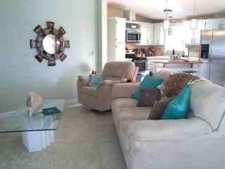 VILLAGES,Spanish Springs,remodeled, spotless, PET friendly, golf cart, book now