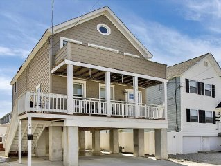Beautifully Renovated Beach Vacation House One Block To The Beach