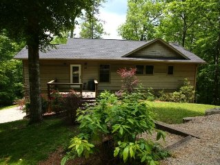Beautiful Custom Built Home In Nantahala Gorge, Convenient to All Activities!