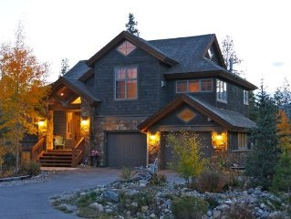 Location-Charm-Luxury Waterdance Lakeview Vacation Home