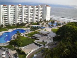 Great Ocean View Condo in Vallartas' Best Bay. Bay of Banderas