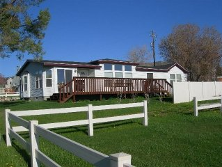Bear Lake Beach Front Rental Close 2 Garden City Sleeps 10-12 Wifi and Cable