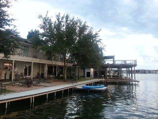 Beautiful Lakefront Home  3300sf~- 'O'Farrell Lakehouse'