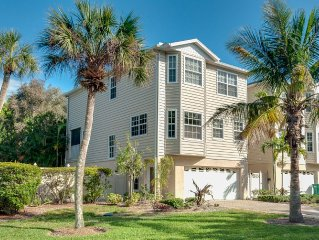 Anna Maria Rental Steps to Gulf Beach with Private Pool!