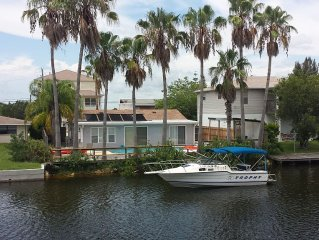 Waterfront Pool Home 5 min from beach, kayaks, bikes, pool table!