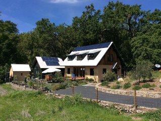 Unique 'Off-Grid' Eco Napa Wine Country Private Retreat
