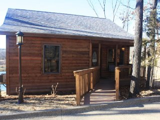 NEW 2015 Lakefront cabin, Giant City State Park, wineries, lakes, Shawnee Forest