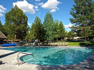 Launch Pad for Adventure!  Westside Mt Bachelor Village Condo, Hot Tub, Pool!