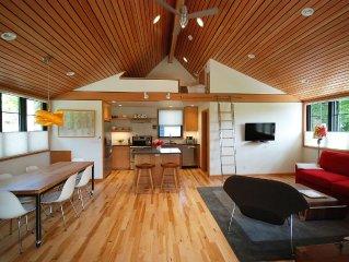 New Construction!  Modern And Tranquil Loft Studio In Downtown Bainbridge