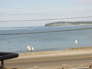 Gorgeous View from 2-bdrm Waterfront Condo