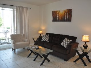Modern 2 Bedroom - Central Fort Collins, Close to I-25 and Shops