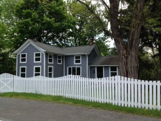 Country-modern cottage minutes from Woodstock & Saugerties