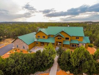 STUNNING 9 BEDROOM LUXURY HOME NEAR ZION! PLAN YOUR REUNION OR RETREAT TODAY!