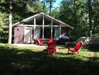 Cottage, Private, Woods, Trails, 2000 Acre Duck Lake, Kayak, Concerts