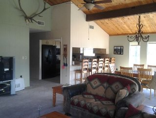 Oh The Views!!! Your Home Away From Home In The Cool Pines Of Beautiful Ruidoso