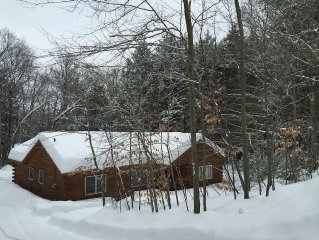 Log Home In The Heart Of Southern Vermont
