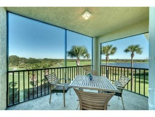 Luxury Condo in a Resort Style Community with Unlimited Golf and Great Views