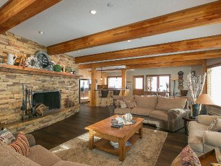 Jan- April still available!!Executive Chalet, 4200 Sq ft, Ski In/Out - Sleeps 14