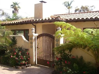 Beautiful Casita in Perfect Location...Walk to Beach/Shopping!