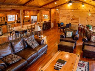 Timber Rock Lodge-Grand, Pool Table , Large Kit./Great Room, Outdoor Areas, ADA