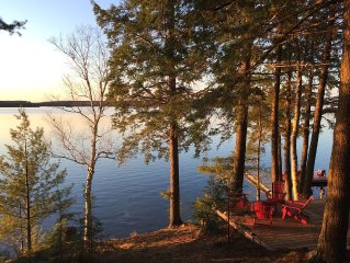 "Cottage""chic""style, SUNSET Views,5+decks and 2 docks,lakefront campfire-BookNow!"