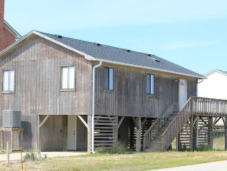 Comfortable, Recently Updated Beach Box Cottage ~ Only 100 yards to the Beach!