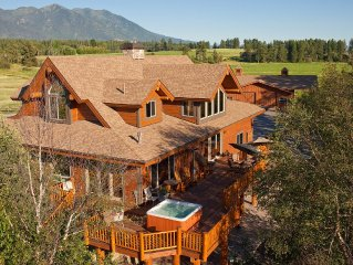 Magnificent Luxury Home On The Flathead River Sleeps 14+