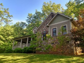 Beautiful home convenient to Brevard, Pisgah Forest, & Dupont