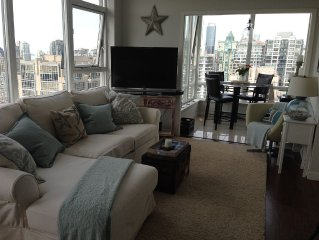 Beautiful Penthouse Condo in Yaletown, w/ Ocean and Mountain Views!