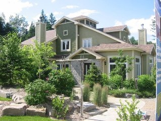 Pretty and Cozy Townhouse Near Mont Tremblant ! See Our Deal !