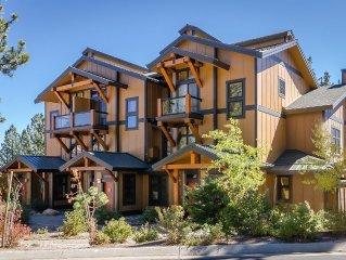 Luxury Mammoth Condo, Perfect Location, Ski & Golf Retreat
