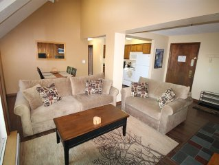 Amazing Mountain Condo - Walk/Shuttle to Skiing and Tubing Park