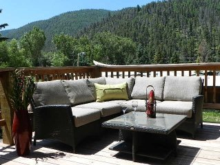 4nt-$599- Lovely in town cabin- 2 living area's, 2 King beds-Views