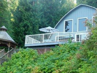 Summer Memories Made at This Rockford Bay Lakefront Home