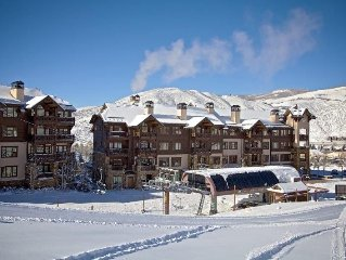 Ski In/Out Luxury Condo. Sleeps 4!