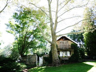 1704 English Stone Cottage On Secluded 50 Acre Farm Outside Of New Hope, PA