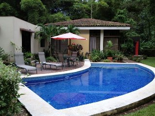 3 Bedrooms and Private Pool in a Bird Watcher's Paradise!
