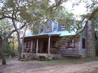 Beautifu Rustic Cabin Near Round Top, TX