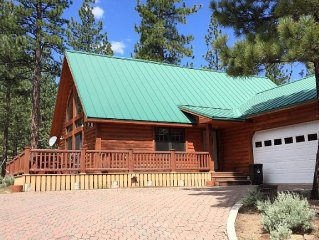 Beautiful lodge style cabin nestled in a pine forest near Grovers Hot Spring