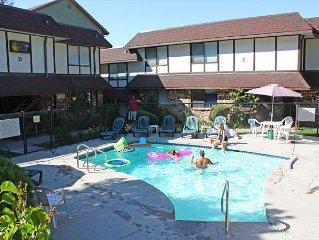 Lakeside Villa - Townhouse Condo next to the Pool
