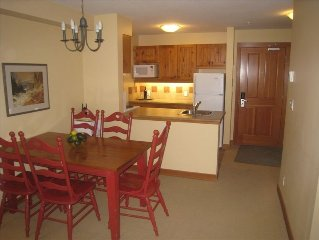 1BR+pullout Pano Springs Bldg(the BIG hotpools!) UpperVillage TRUE Ski In/SkiOut