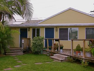 Very Roomy Pacific Beach Rental-Walk to the Beach & Bay