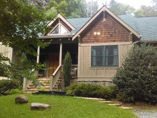 Large family-friendly mountain home minutes from Asheville and Biltmore Estate